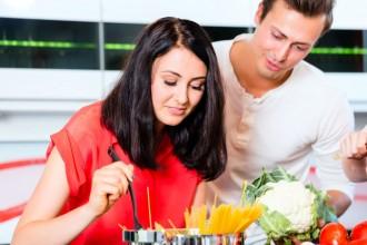 10 cose da non fare a tavola con un italiano