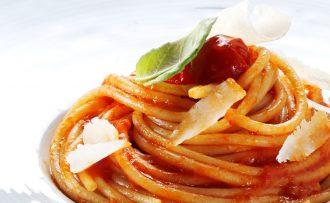 spaghetto_pomodoro_basilico_close-up_5571