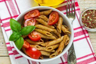 Penne con pomodoro basilico e olio d'oliva ok