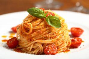 Il World Pasta Day celebra il piatto di pasta più amato: gli Spaghetti al pomodoro